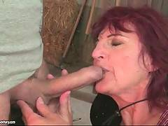 Older redhead slut gets so much turned on when gets nice juicy cock to suck.
