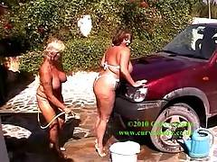 Shane had been a complete dummy and forgotten to wash his car so Randy Raz and myself done it our way    Claire xx